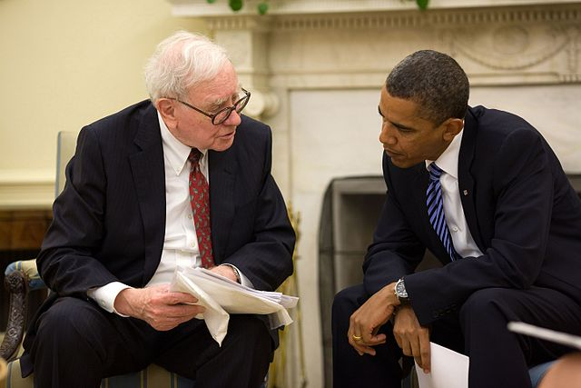 640px-President_Barack_Obama_and_Warren_Buffett_in_the_Oval_Office,_July_14,_2010.jpg